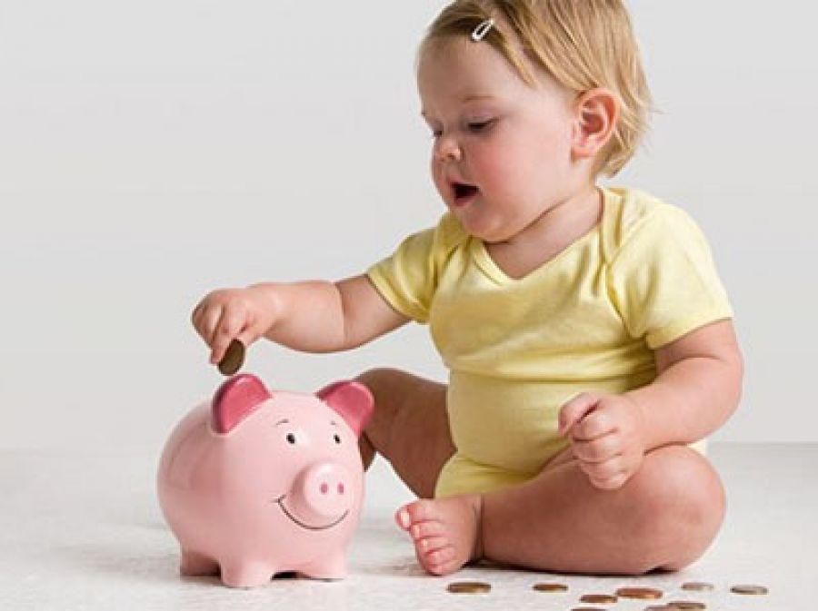 Какие выплаты положены при рождении первого ребенка: пособия в 2020 году